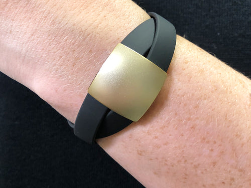 Rubber Bracelet with Black/Gold-Colored Aluminum Feature