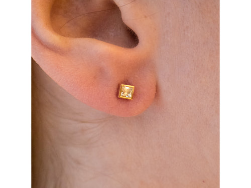 "Single Stone 18K Yellow Gold and Diamond ""Sloane"" Stud Earrings in Washington DC"