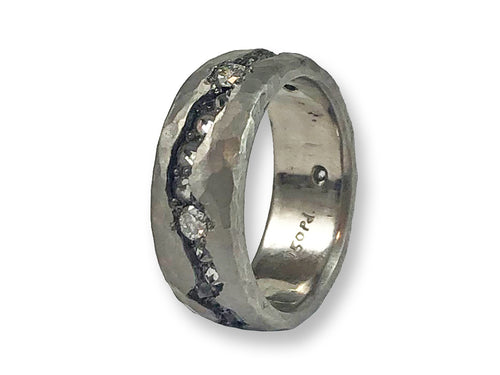 Palladium and Inverted Diamond Fissure Wedding Band