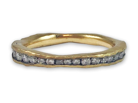 18K Yellow Gold and Diamond Slender Scalloped Wedding Band