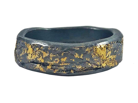 18K Red Gold and Carbon Fiber Men's Wedding Band