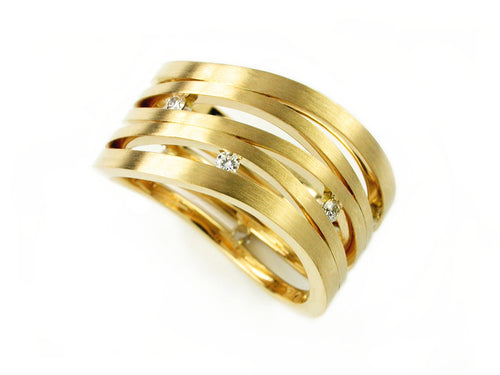 "Vincent Van Hees 18K Yellow Gold and Diamond ""Swing"" Wedding Band in Washington DC"