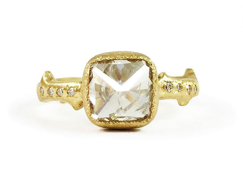18K Yellow Gold and Natural Diamond Engagement Ring