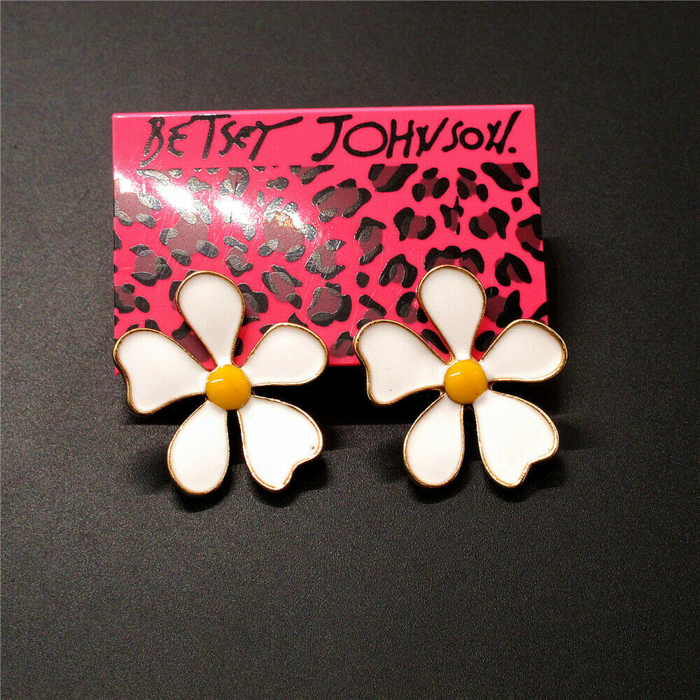 Betsey Johnson White Flower Earrings