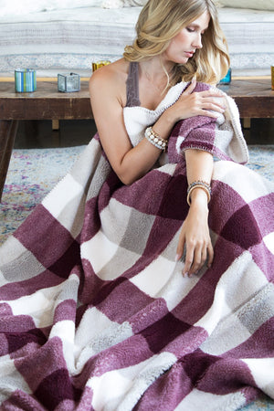 Luxury Plaid Sherpa Blanket {BERRY}
