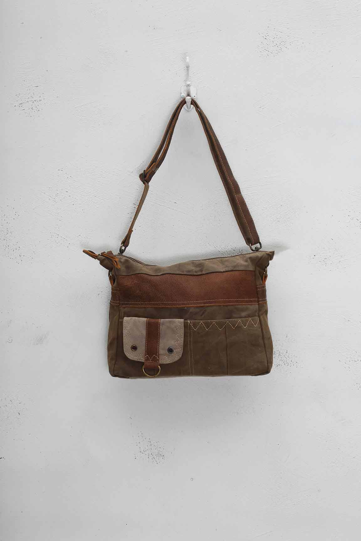 PERFECT SHOULDER BAG
