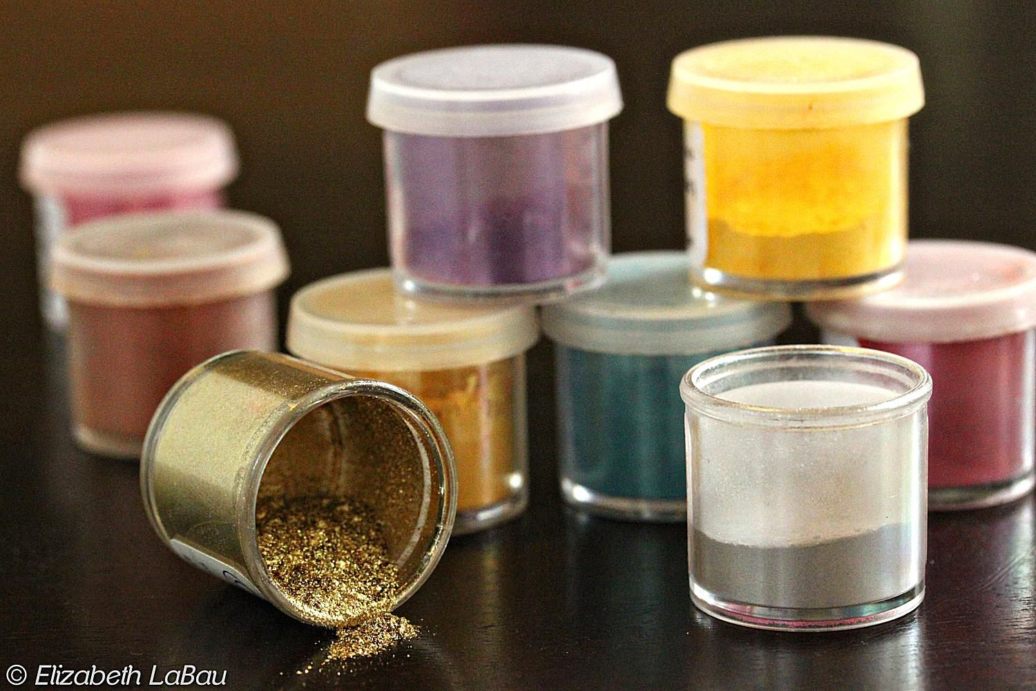 New! Edible Decorating Glitter & Dusts - Bakell.com | Edible Luster, Petal, Tinker Dusts and other edible dusts and glitters!