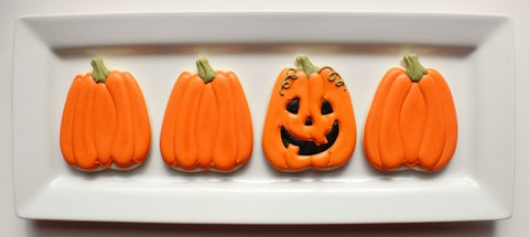 Bakell.com | Simple, fun & easy Halloween Pumpkin Sugar Cookies