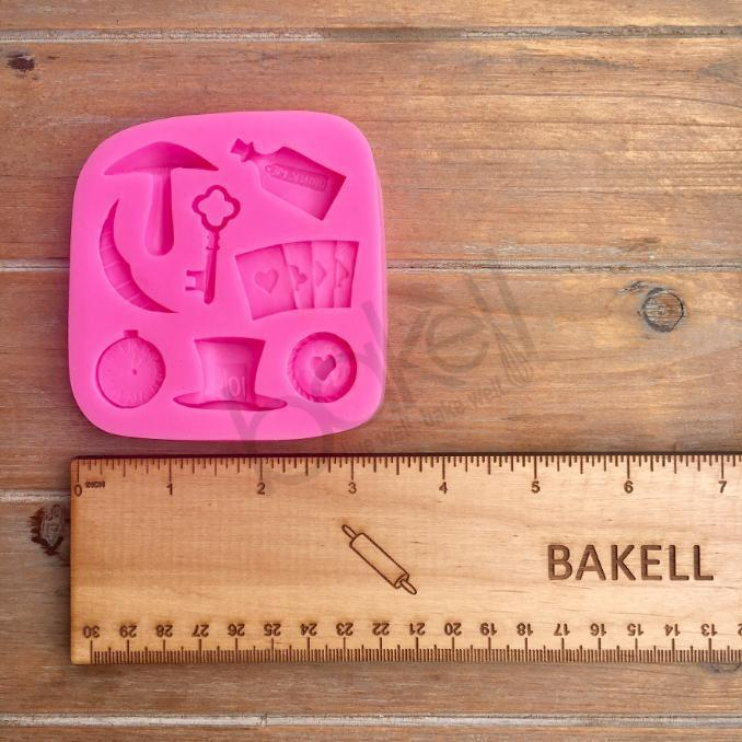 Mad Hatter, Ace of Hearts and Alice Silicone Mold | Bakell.com