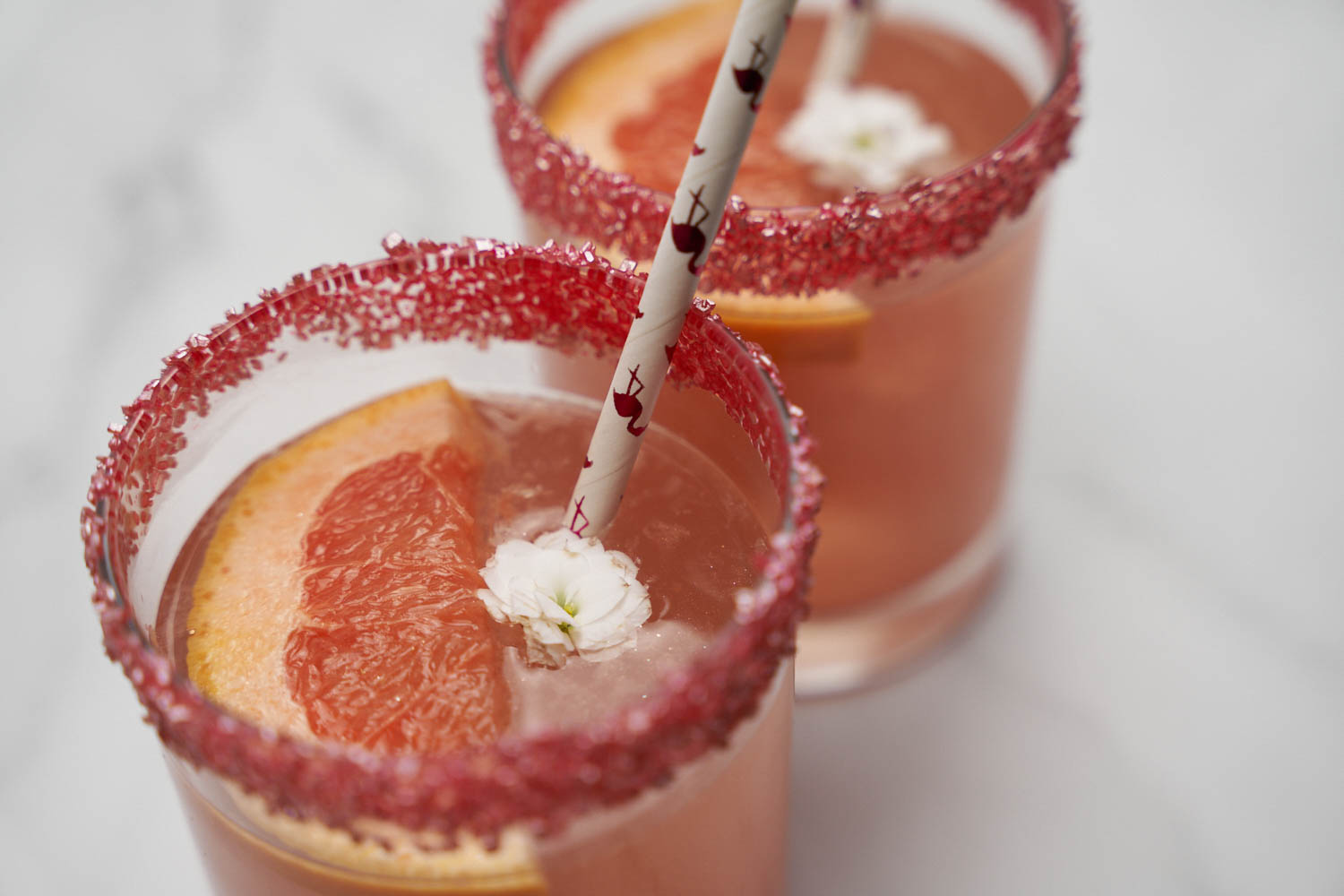 Bakell Rose Gold Grapefruit Paloma with 100% edible drink glitter Brew Glitter