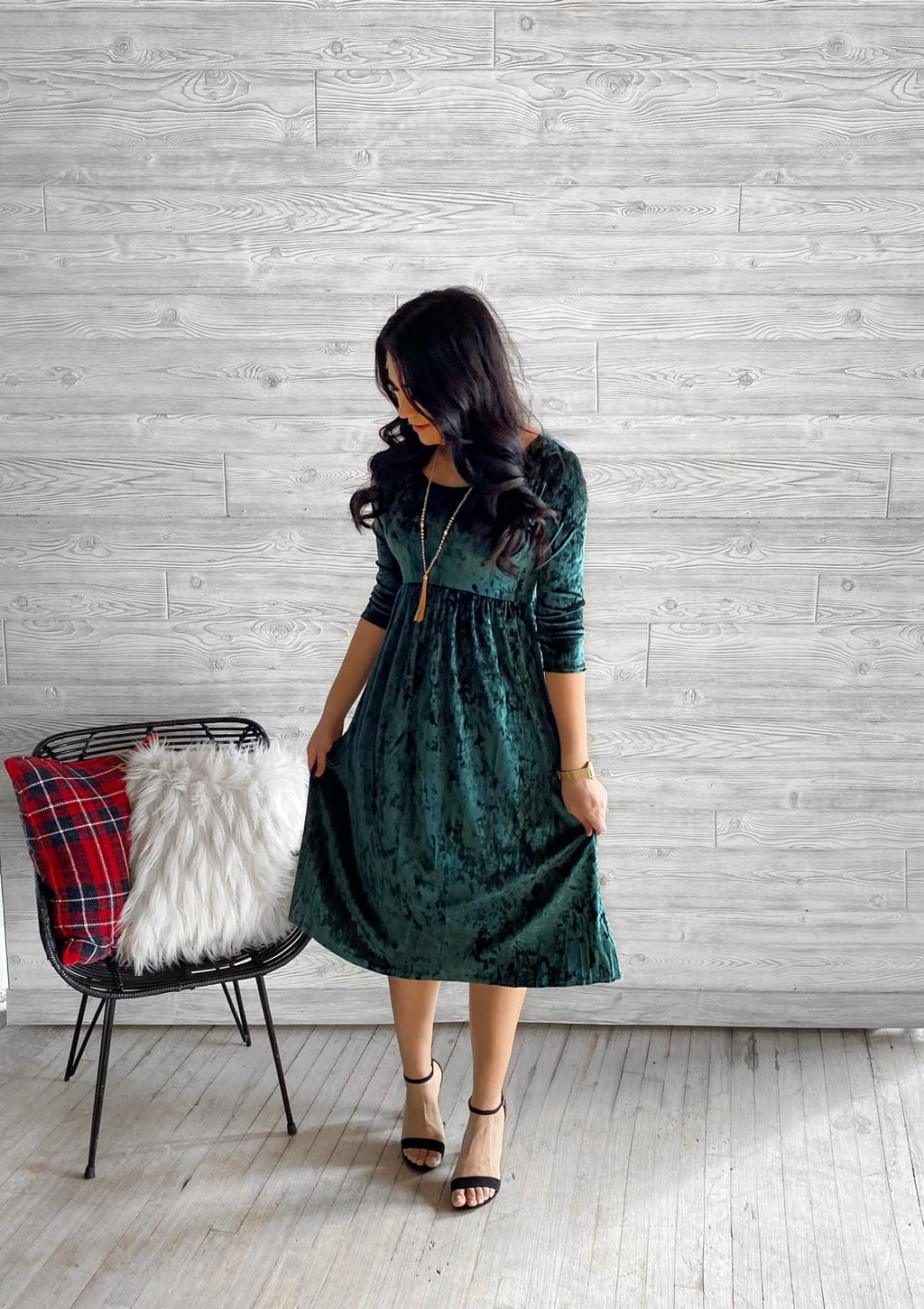 Emerald Green Velvet Dress (Pre-Order Ships Friday 12/4)