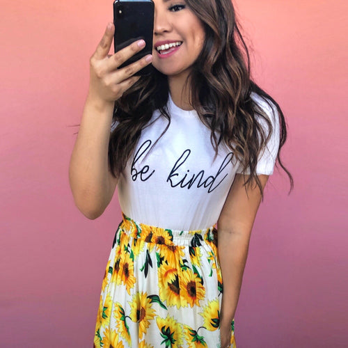 Be Kind Tee - In White