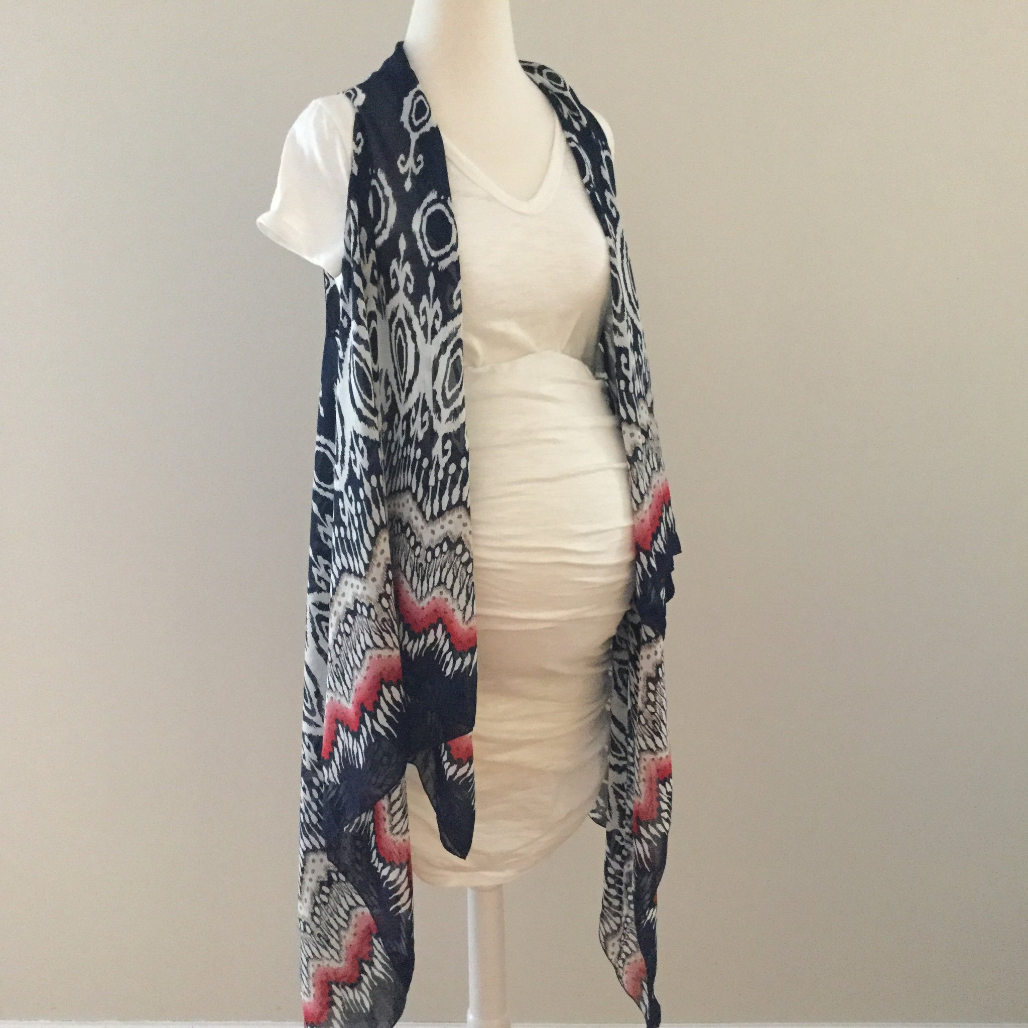 Sleeveless Convertible Shawl with Ogee and Zigzag
