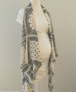 Sleeveless Convertible Shawl with Black and White Paisley