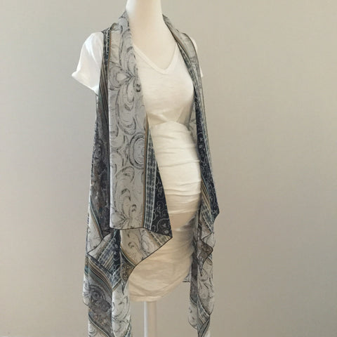 Sleeveless Convertible Shawl with Paisley and Floral Stripe
