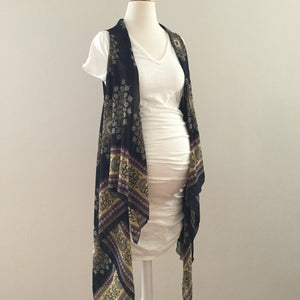 Sleeveless Convertible Shawl with Mandala