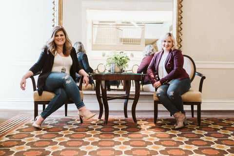 (Pictured Left to Right: Erin Edit Co-Founders, Erin Barr & Erin Loesing)
