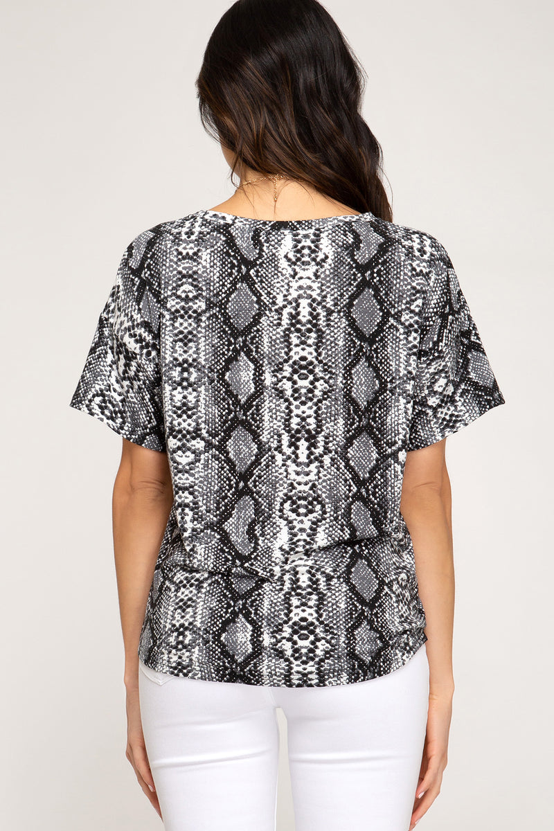 SHORT SLEEVE SNAKE PRINT TOP - Erin Edit Shop