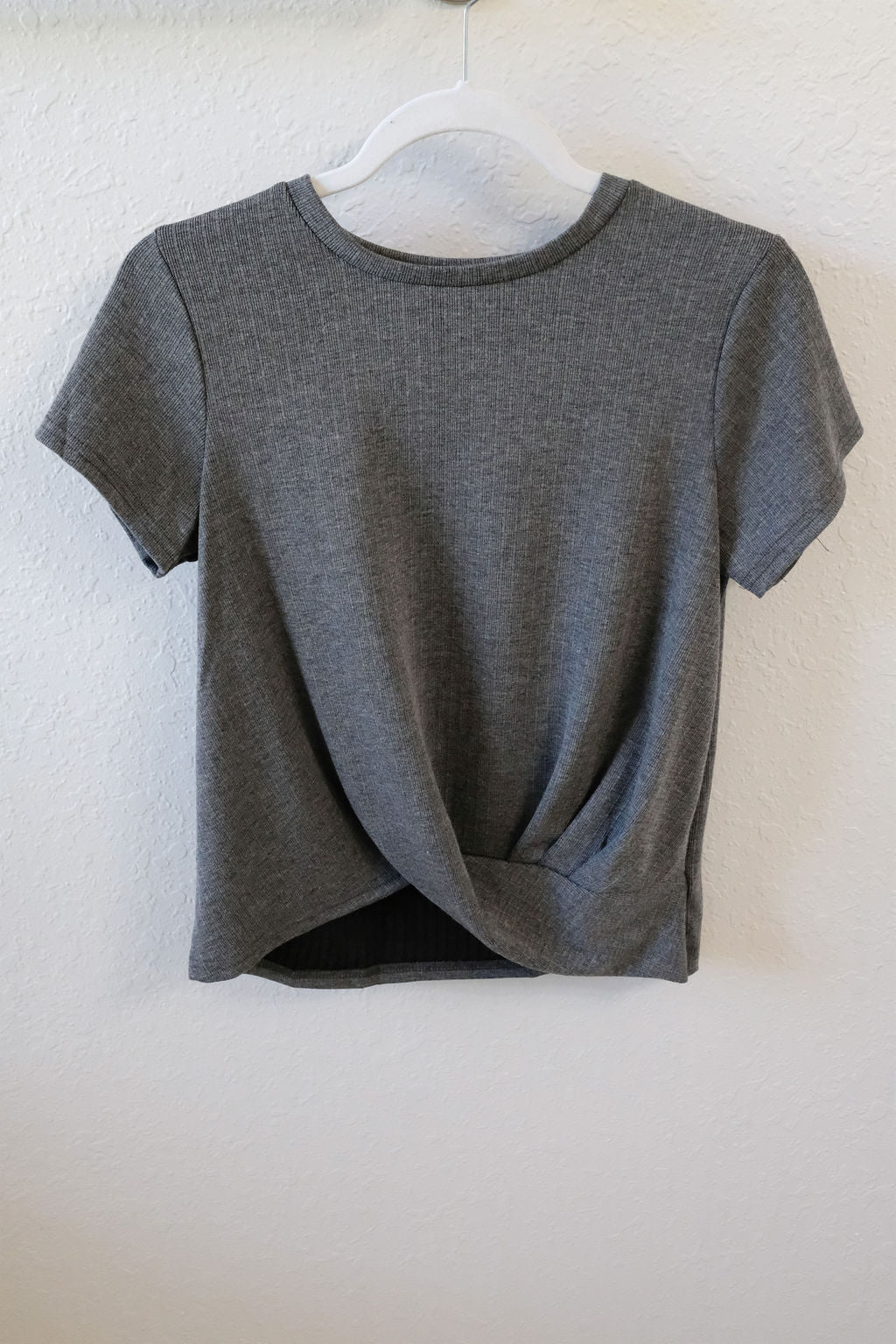 GREY RIBBED SHORT SLEEVE TOP - Erin Edit Shop