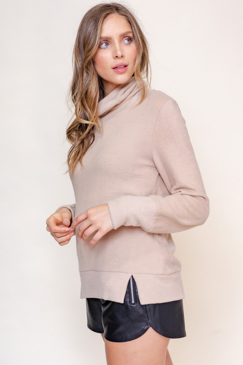 BEIGE TURTLENECK TOP
