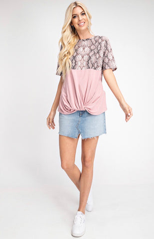 DUSTY PEACH SCALLOPED CAMISOL