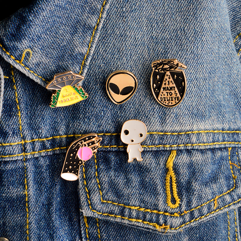 I WANT TO BELIEVE Pins 5 piece set