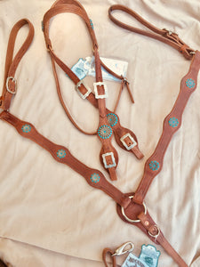 Turquoise scallop bridle breast collar set.