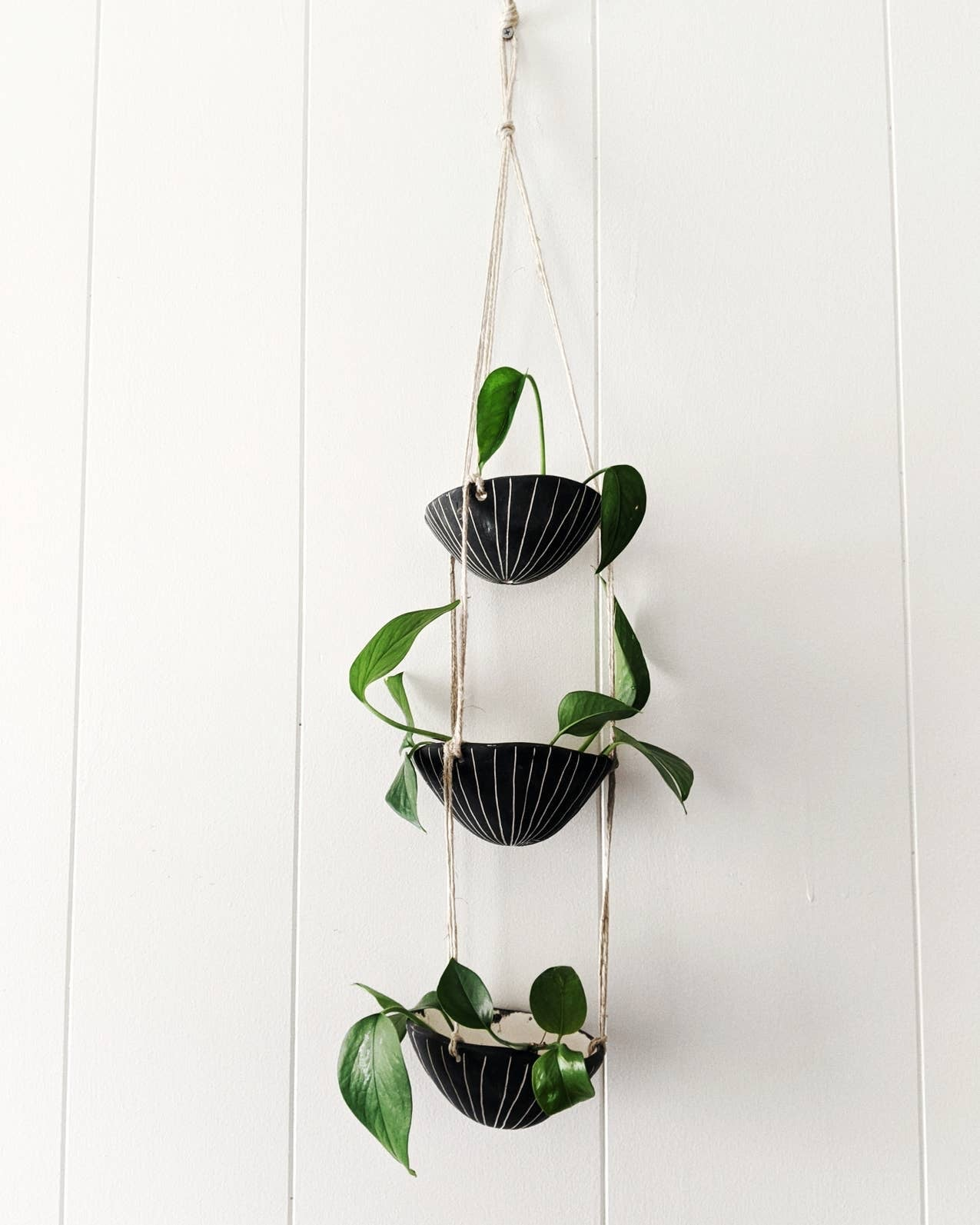 Vertical Line 3-Tier Hanging Planter