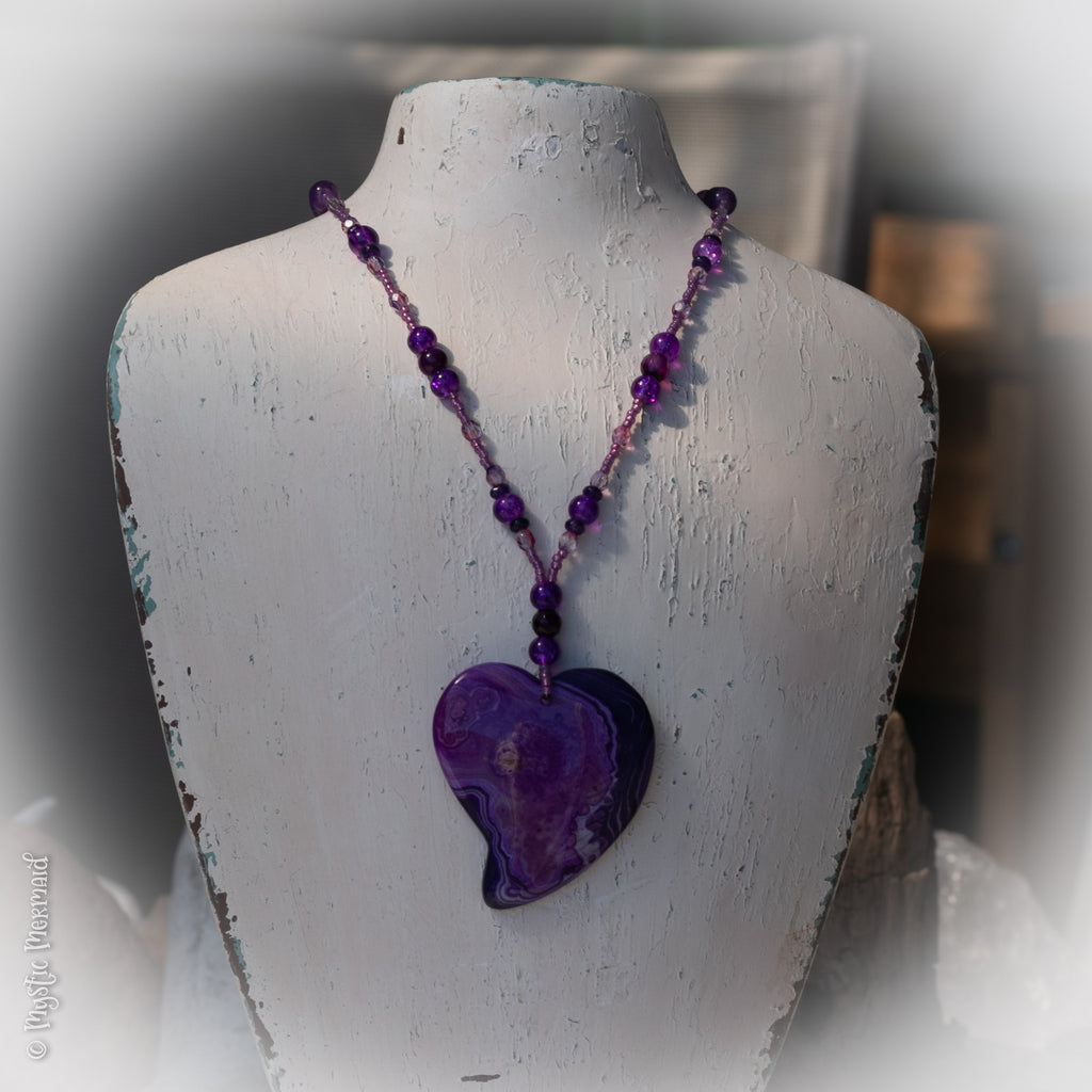 Purple Delight – Agate Heart, Faceted Amethyst and Crackle Quartz Necklace