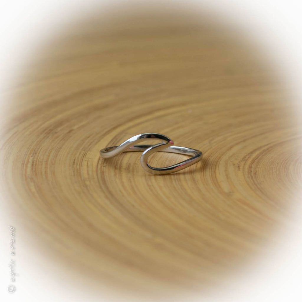 Ride the Wave - 925 Sterling Silver Wave Ring