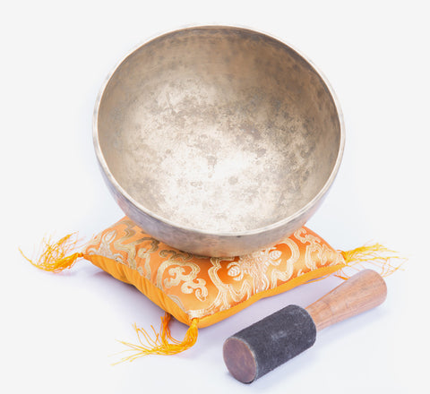 Antique Jambati Tibetan singing bowl chakra tune for chakra healing, meditation and yoga