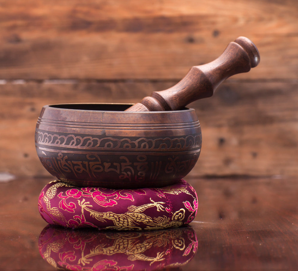 Antique Black Colored Etching Tibetan Best Singing Bowl for Sound Healing and Relaxation