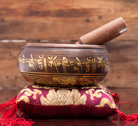 Best Price Singing Bowl for Meditation and Yoga with Stick and Pillow