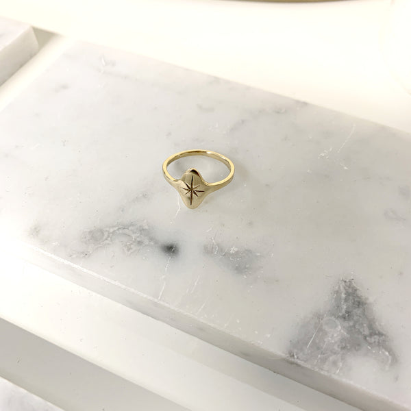Étoile Signet Ring in 14k Gold Polished Finish