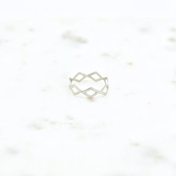 Silver zigzag ring