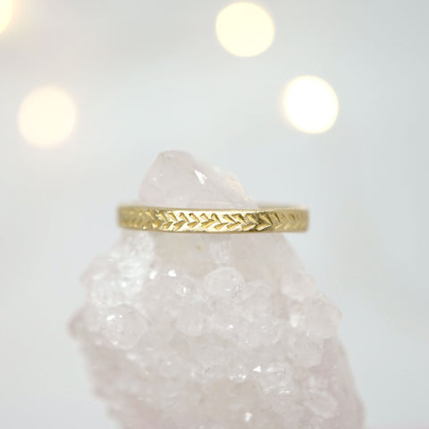 Feather Engraving Ring in 14k gold