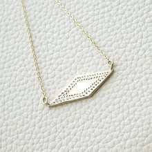 Load image into Gallery viewer, Diamond shaped pendant necklace