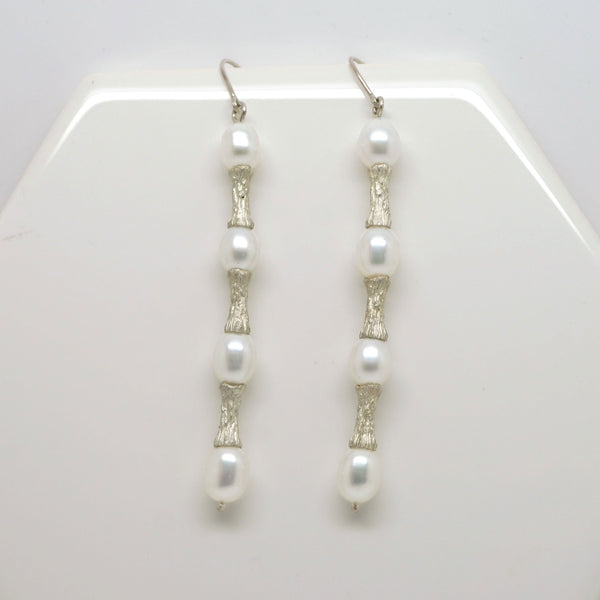 Contrasting Textures Pearl Drop Earrings