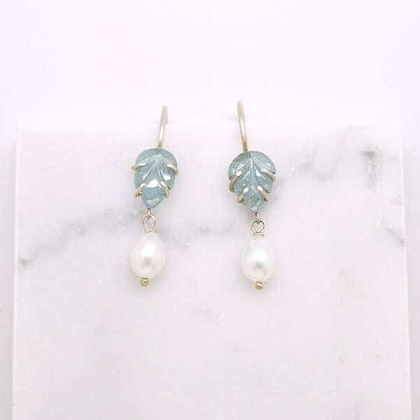 Leafy aquamarine earring with pearls