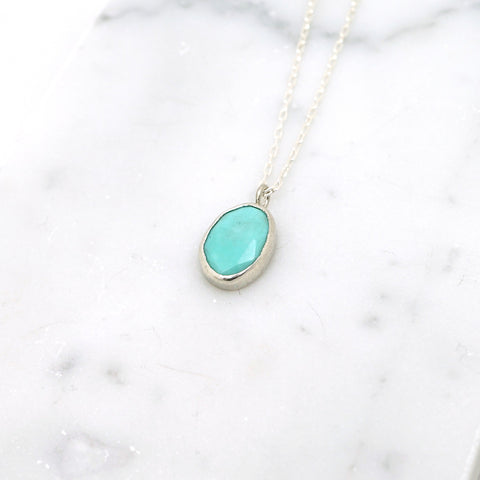 Simple turquoise pendant necklace
