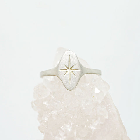 Étoile signet ring in Sterling Silver