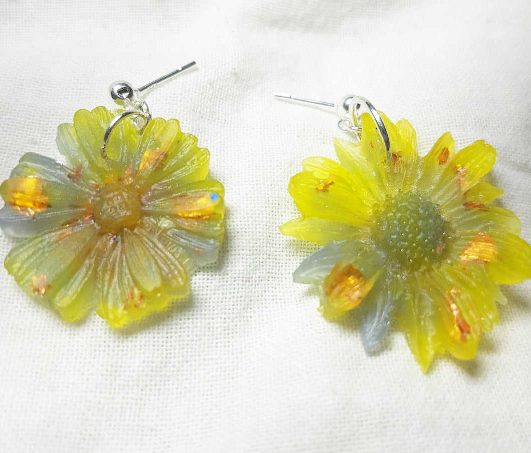 Mismatched Flower Earrings