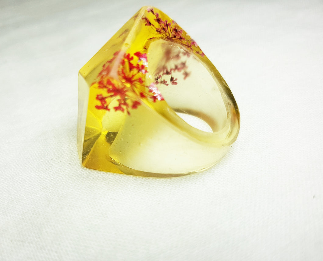 Large Retro Ring - Clear Flowers