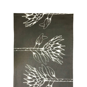 King Protea Table Runner - Keniken