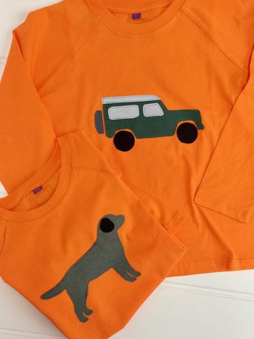 Countryside Fun - kids jeep and Labrador – Long Sleeved T-shirts