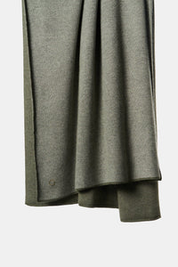 Tano Knitted Cashmere Throw in Moss and Soft Grey