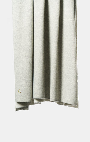 Tano Knitted Cashmere Throw in Soft Grey and Ivory