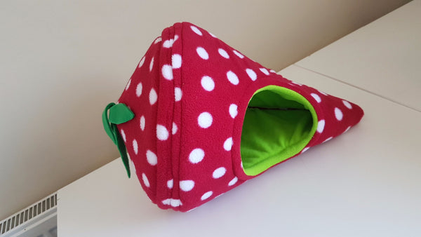 Strawberry Den Fleece Piggie Bed - Pampered Piggies Boutique