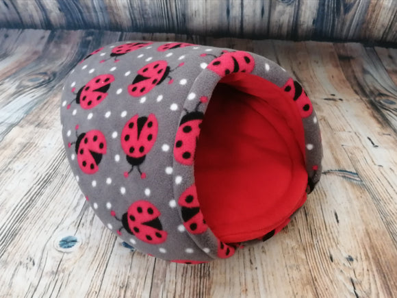 Ladybird Fleece Piggie Pod / Red