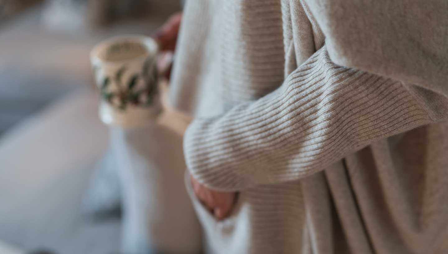 cocoon cashmere cardigan in chinchilla neutral colour detailing
